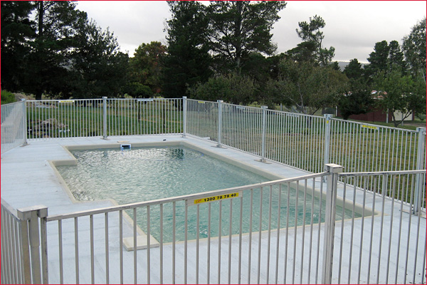 Temporary pool fencing sydney and nsw for Swimming pool fence requirements nsw